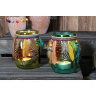 windlicht glas met veren hoog 16 cm geel en groen