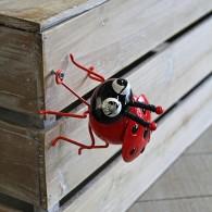 lieveheersbeestje hangend of staande 10 cm metaal rood