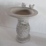 vogelbad cement op voet roos motief en 2 vogels grijs 28x28x35 cm